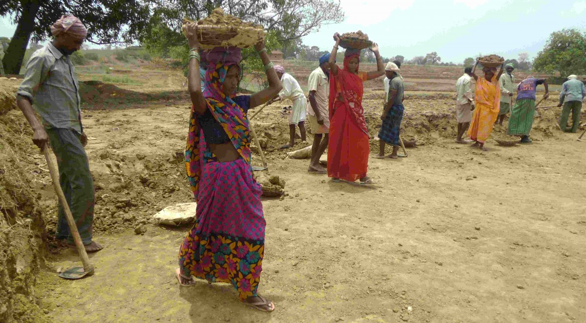 Men & Women finds equal job opportunities in MGNREGA after the intervention